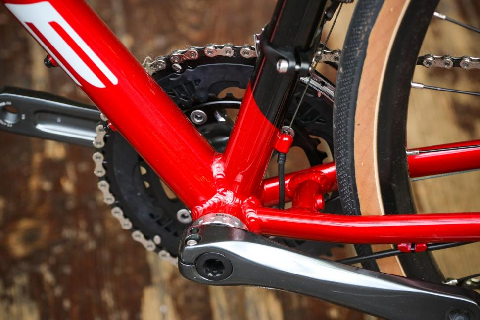 Forme Monyash 1 - bottom bracket.jpg
