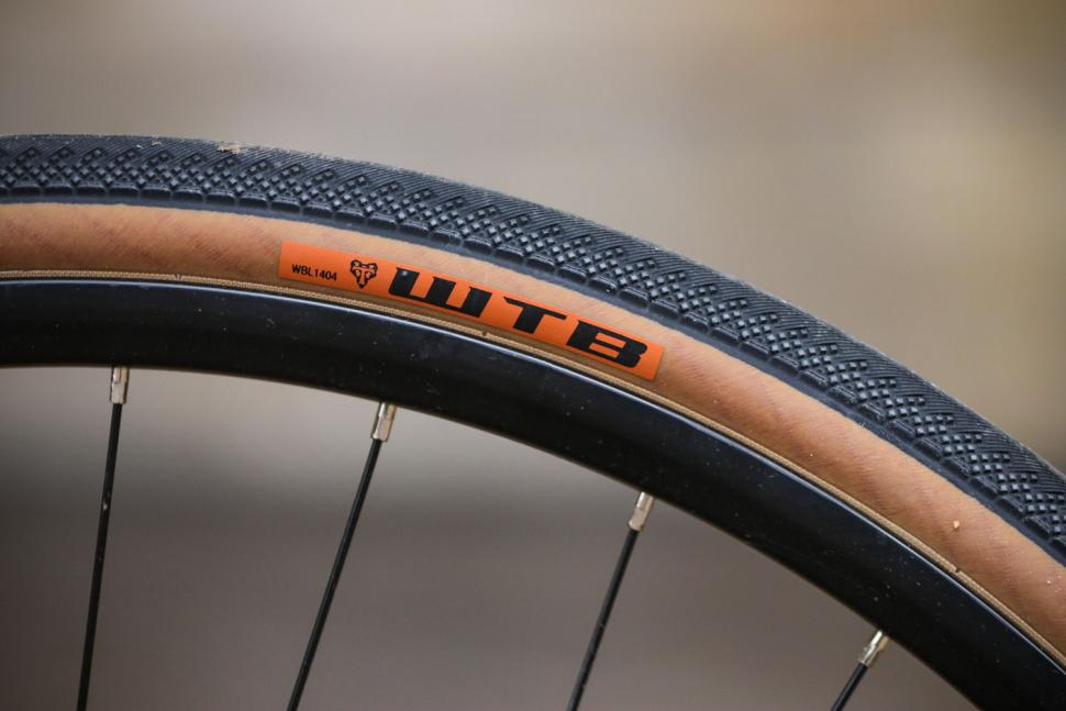 Forme Monyash 1 - tyre and rim.jpg