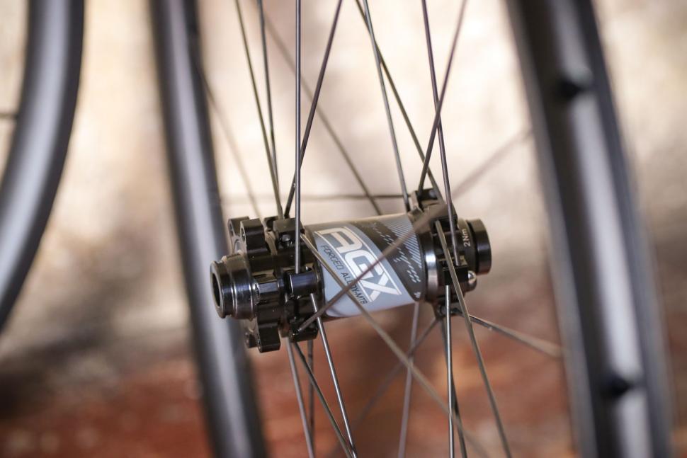 FSA AGX gravel wheelset - front hub 2.jpg