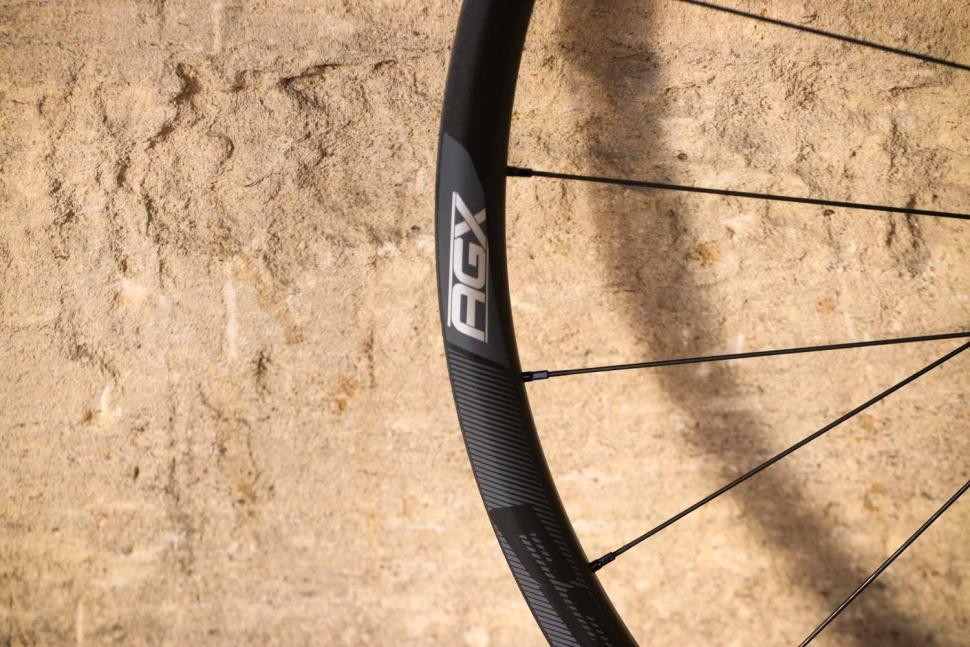 FSA AGX gravel wheelset - rim.jpg