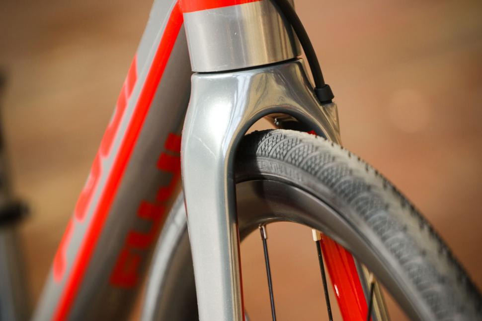 Fuji Roubaix 1.3 Disc - clearance.jpg