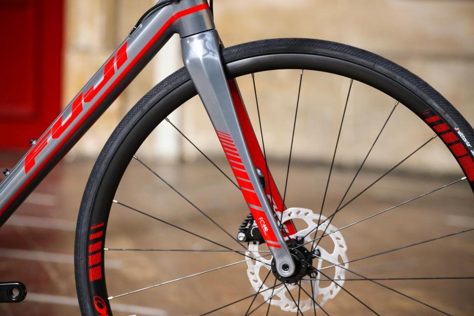 Fuji Roubaix 1.3 Disc - fork.jpg