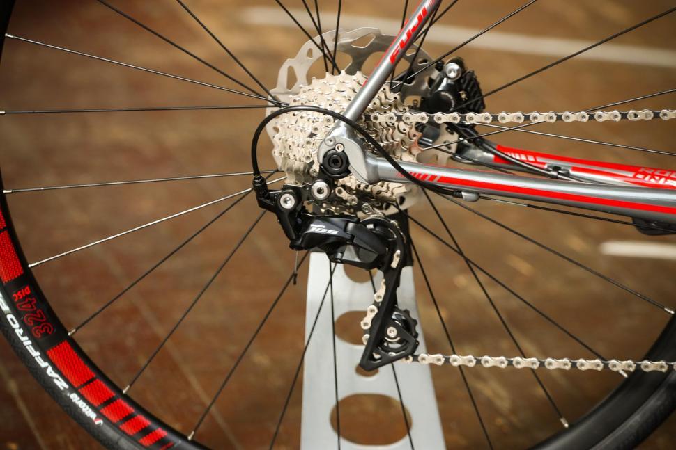 Fuji Roubaix 1.3 Disc - rear mech.jpg