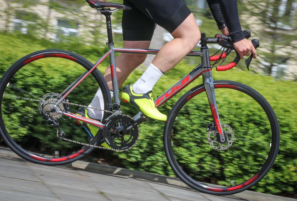 Fuji Roubaix 1.3 Road riding-2.jpg