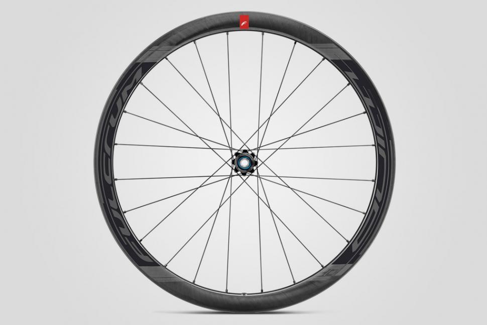 Fulcrum Competition - Wind 40 DB wheel 2.jpg