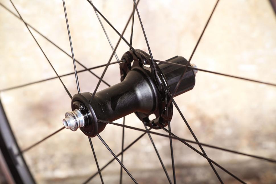 Fulcrum Racing 3 wheels - rear hub 1.jpg