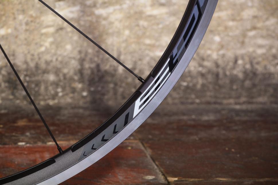 Fulcrum Racing 3 wheels - rim detail 2.jpg