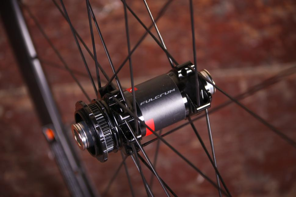 Fulcrum Racing 5 wheelset - front hub 2.jpg