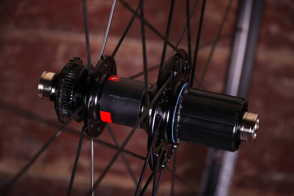 Fulcrum Racing 7 wheelset - rear hub 2.jpg