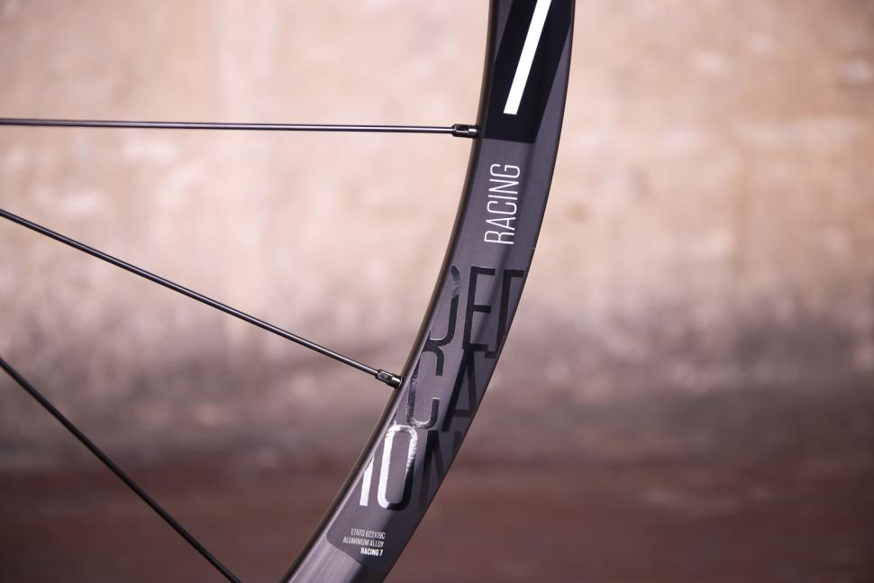 Fulcrum Racing 7 wheelset - rim.jpg