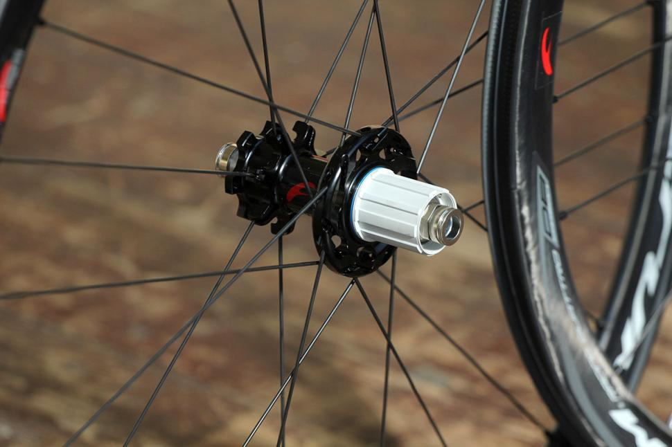 Fulcrum Racing Quattro Carbon DB wheelset - rear hub.jpg