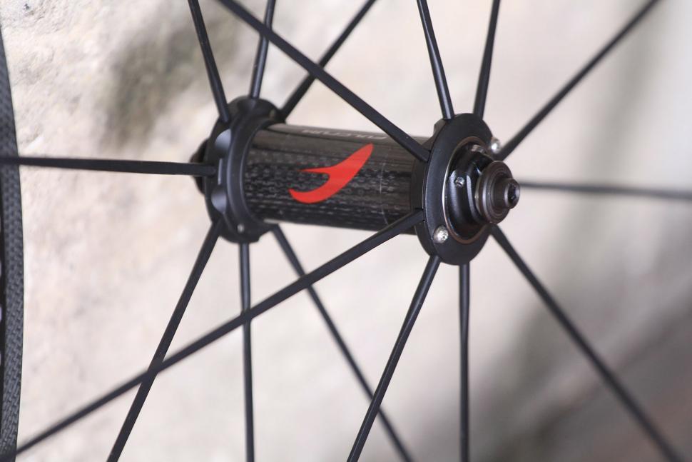 Fulcrum Racing Zero Carbon Road Wheels - front hub.jpg