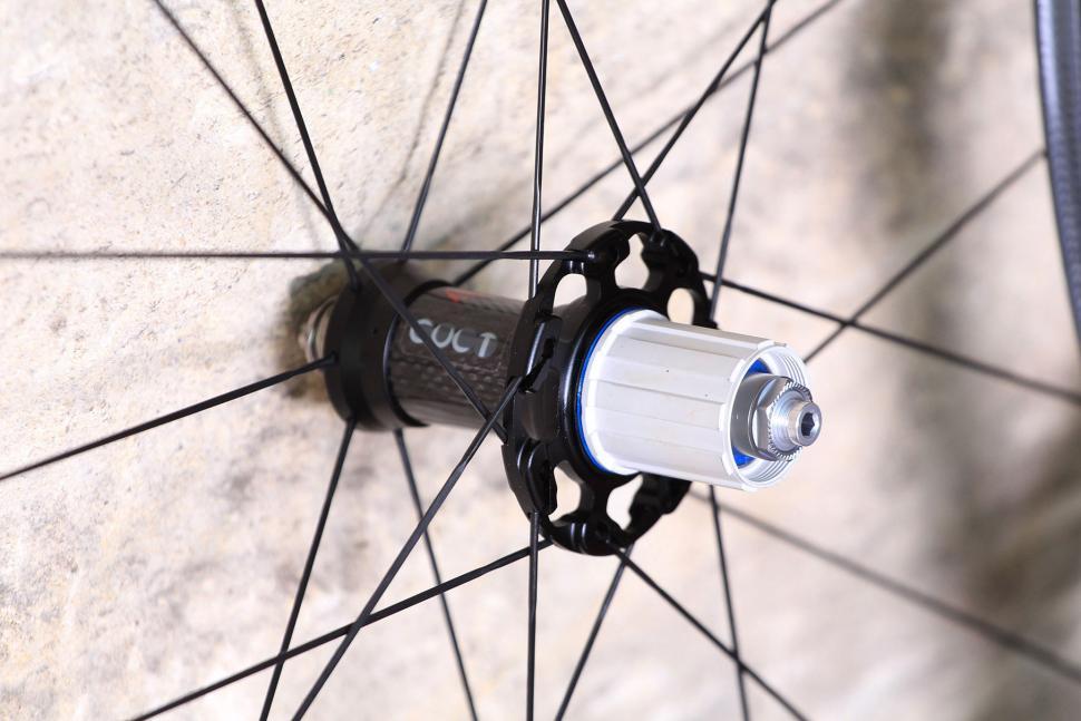 Fulcrum Speed 40T Road Bike Wheel - rear hub.jpg