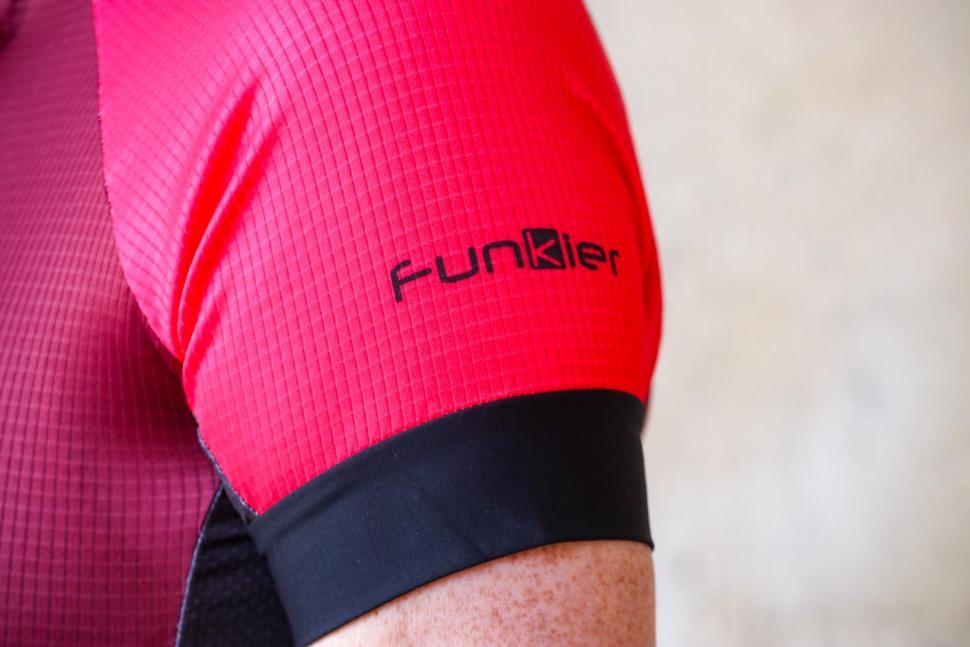 Funkier Mataro Pro Ladies Rider Short Sleeve Jersey in Merlot - cuff.jpg