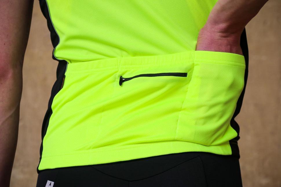 Funkier Stream Gents Short Sleeve Active Jersey in Yellow - pockets.jpg