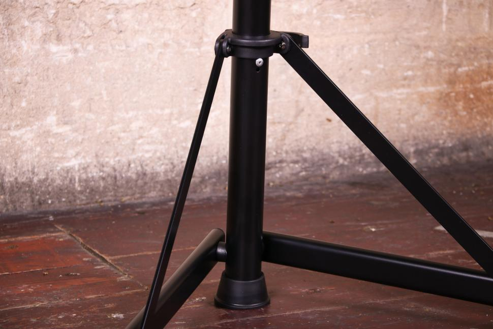 FWE Folding Workstand - folding mechanism.jpg