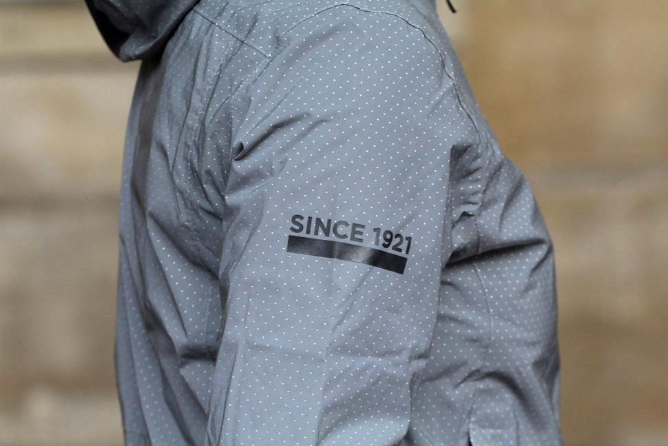 FWE Womens Kennington FX Reflective Waterproof Jacket - graphic.jpg cdd582841