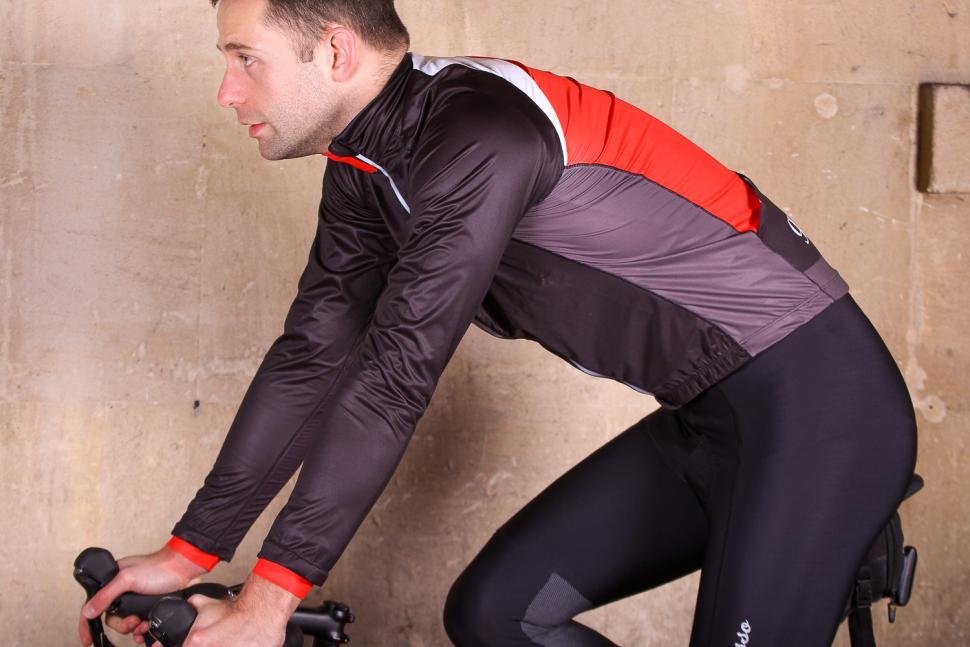 Galibier Gino Pro Wind jacket - riding.jpg