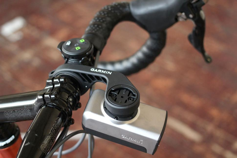 Garmin Varia Smart bike Lights - on mount.jpg