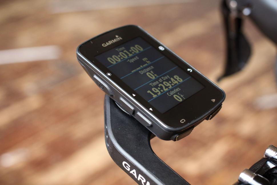 garmin_edge_520_plus_-_on_mount.jpg