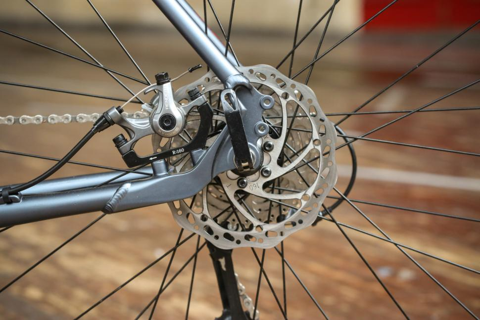 genesis-cda-20-rear-disc-brake.jpg
