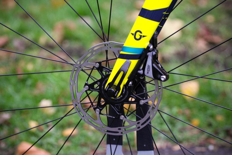Genesis Vapour 30 - front disc brake.jpg