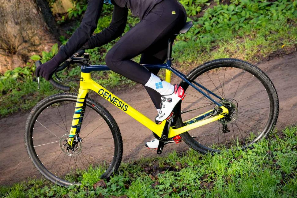 Genesis Vapour 30 - riding 2.jpg
