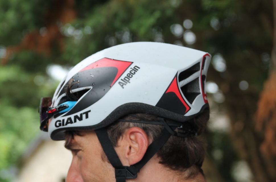 giant aero helmet.JPG