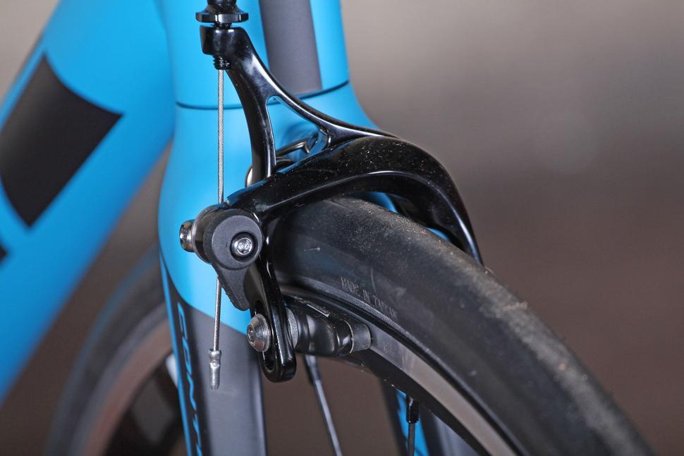 Giant Contend SL - front brake.jpg