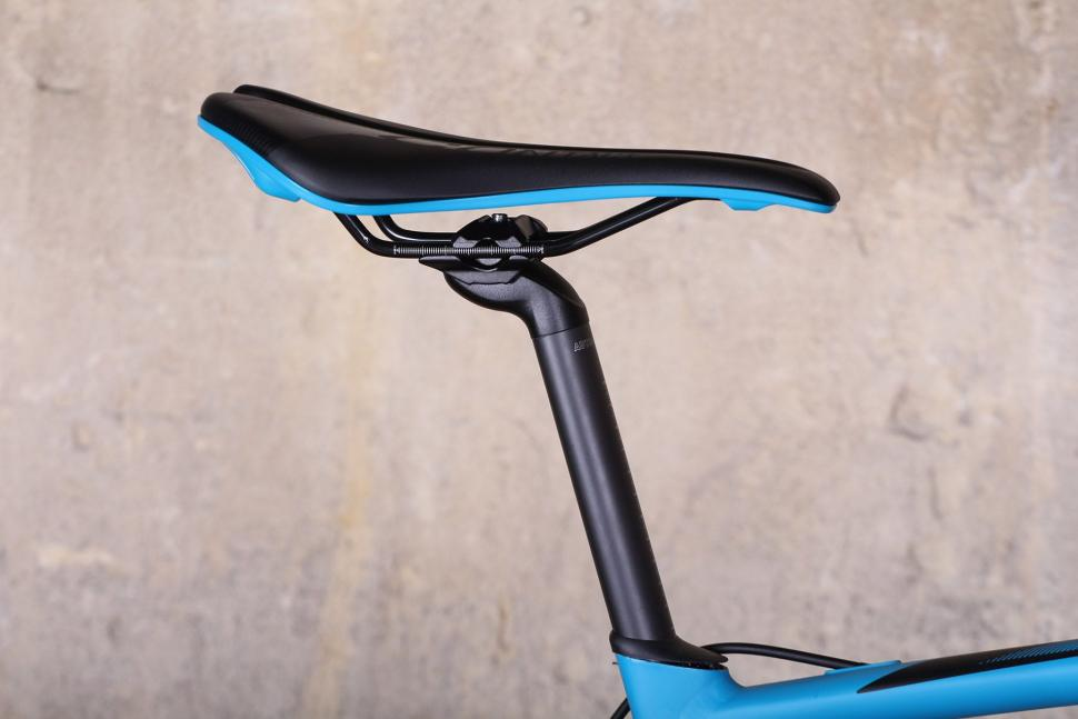 Giant Contend SL - saddle and post.jpg