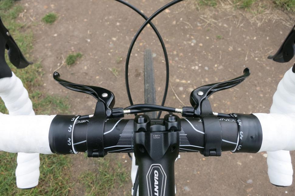 Giant Liv Avail - inline brakes.jpg