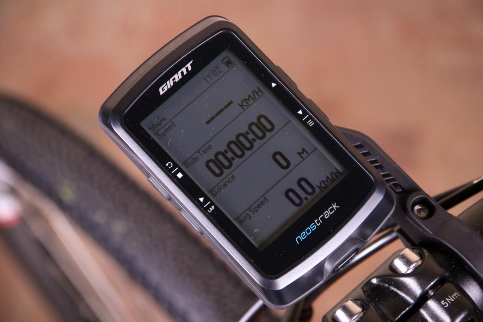 """NEW GIANT NEOSTRACK GPS Cycling Computer Bluetooth BLE ANT 2.6"""" LCD IPX7"""