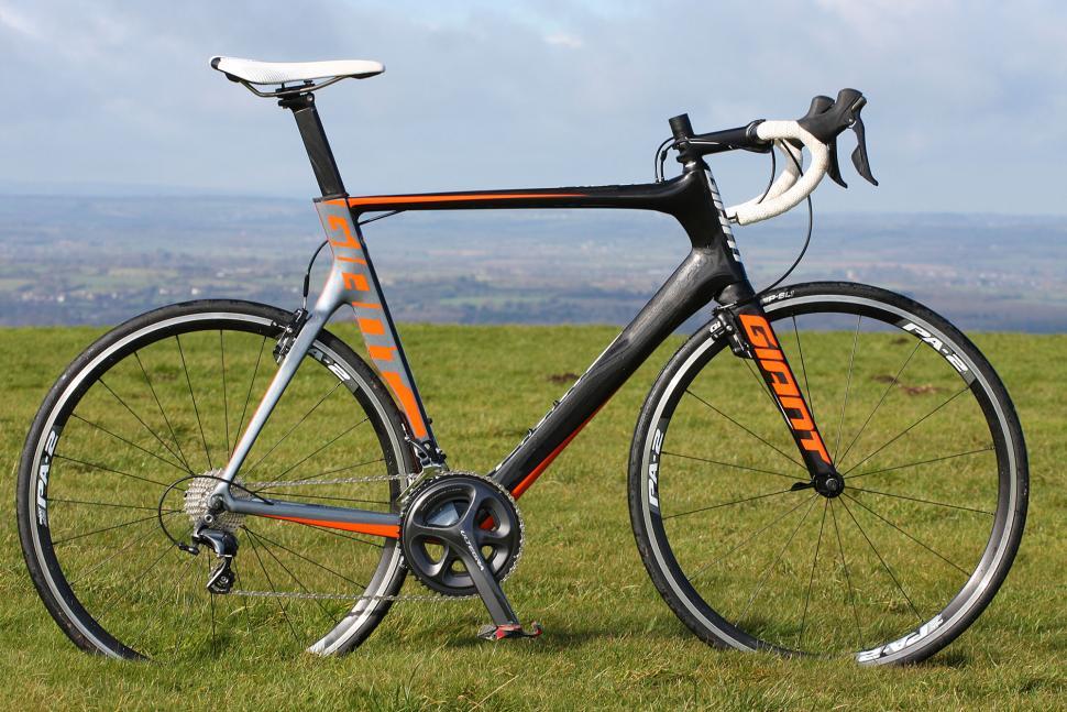 Giant Propel Advanced 1 - full bike.jpg