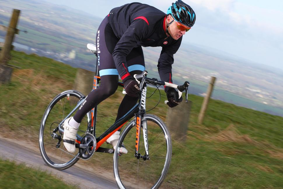 Giant Propel Advanced 1 - riding 2.jpg