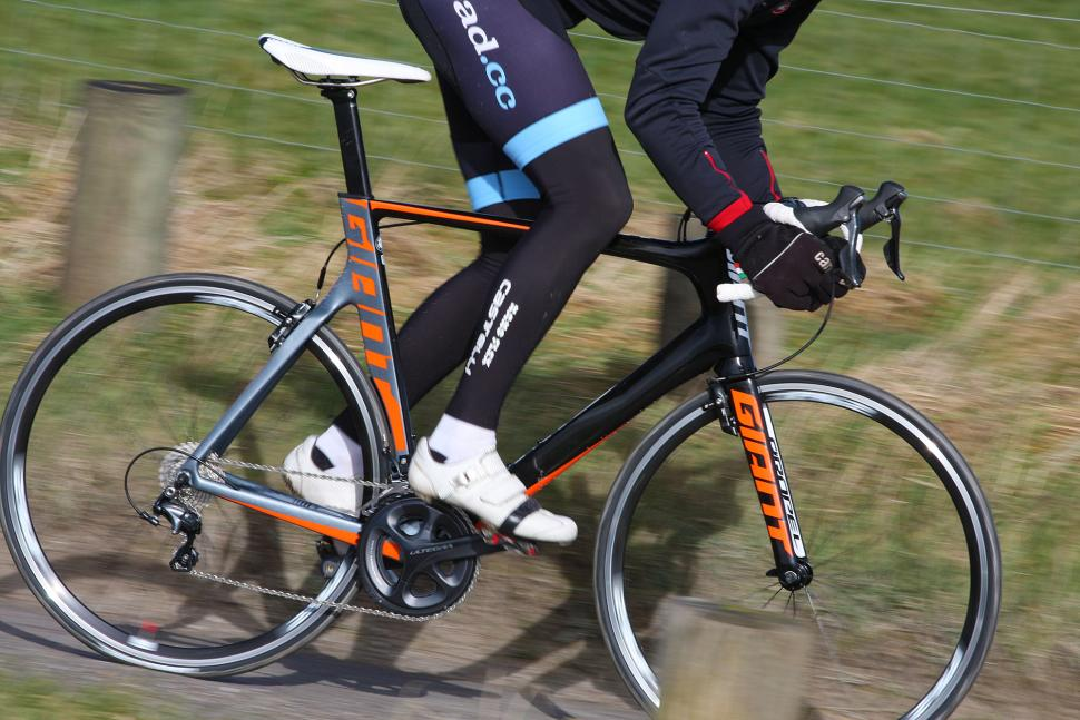Giant Propel Advanced 1 - riding 5.jpg