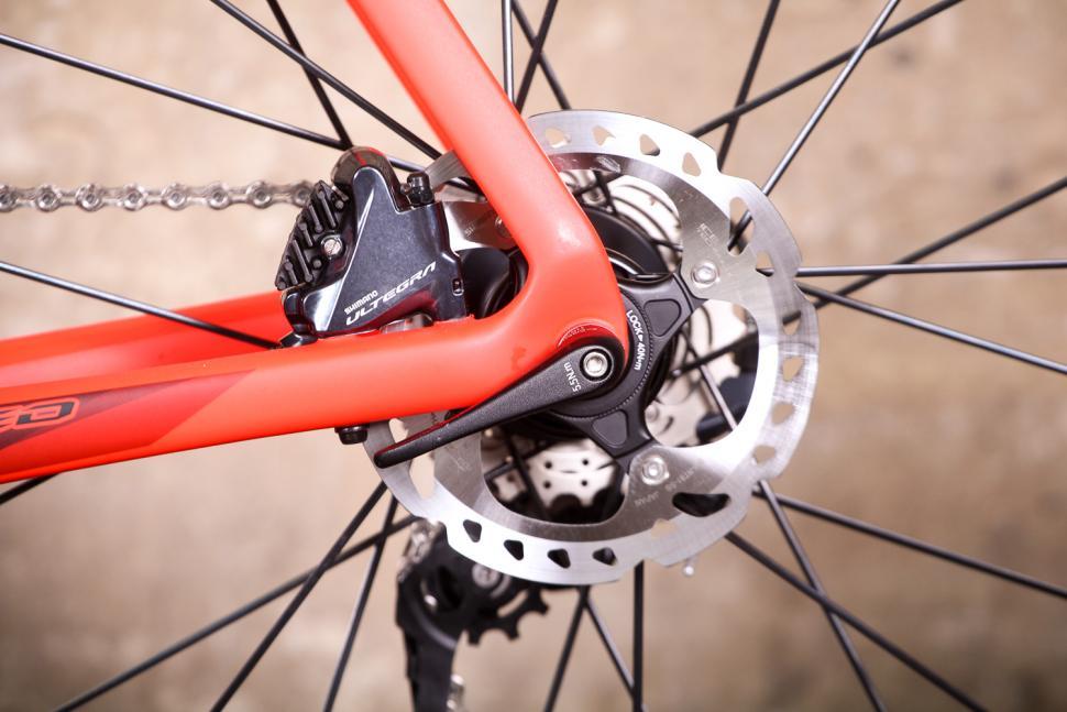 Giant Propel Advanced Disc - rear disc brake.jpg