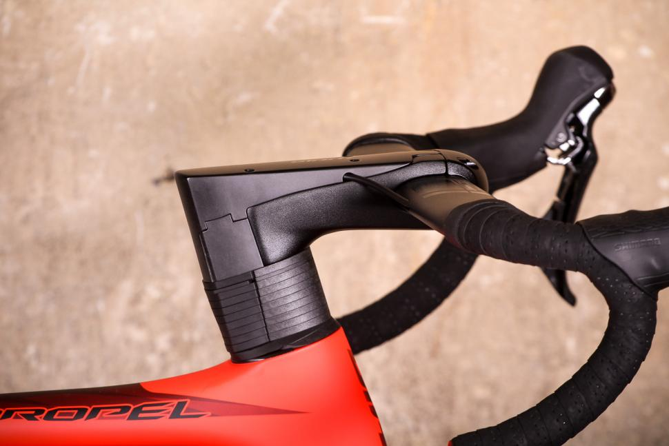 Giant Propel Advanced Disc - stem.jpg