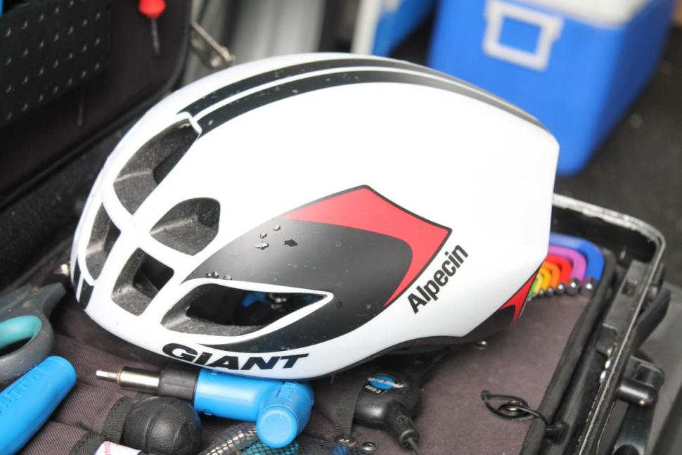 Giant Pursuit helmet  - 2.jpg