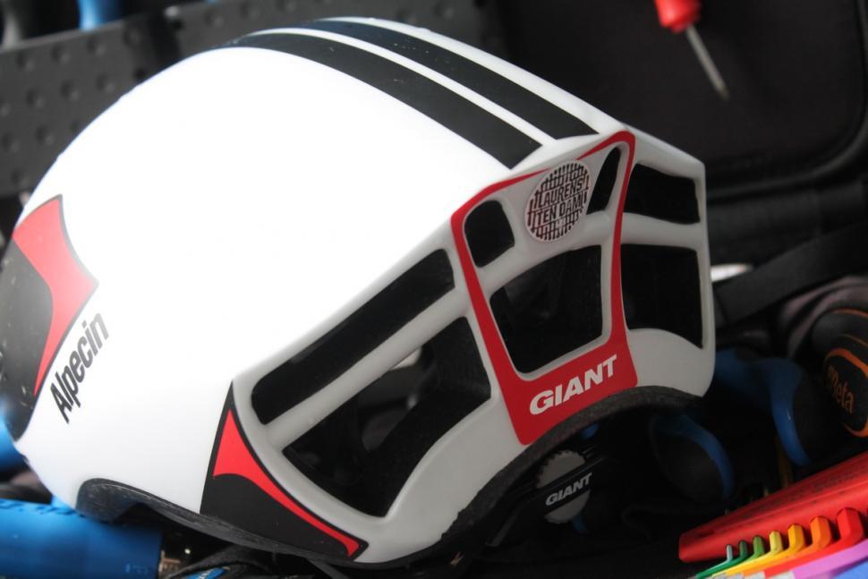 Giant Pursuit helmet  - 3.jpg