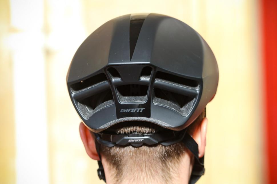 Giant Pursuit Mips Aero road helmet - back.jpg