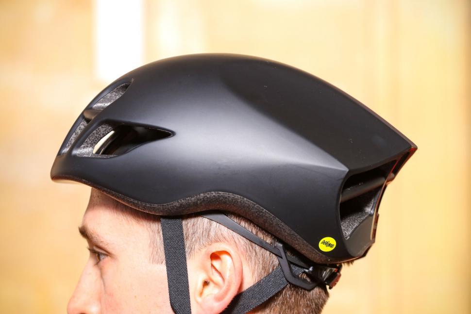 Giant Pursuit Mips Aero road helmet - side 2.jpg