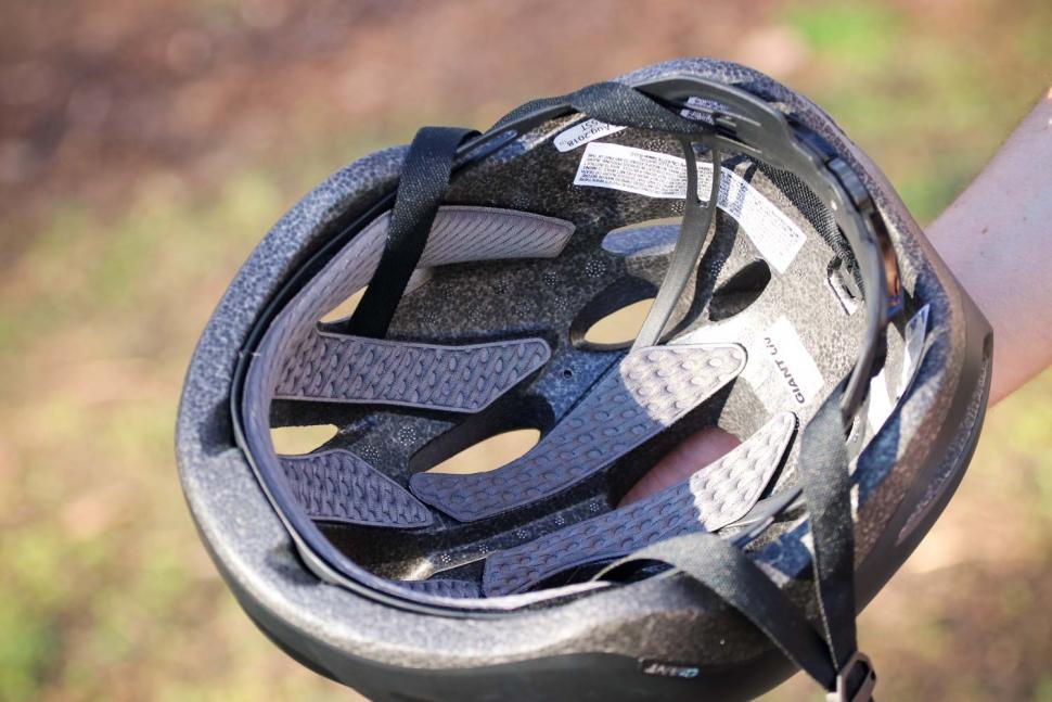 Giant Rev Comp Road Helmet - inside.jpg