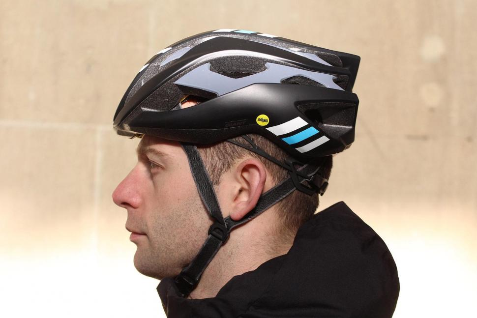 Review Giant Rev Mips Road Helmet Road Cc