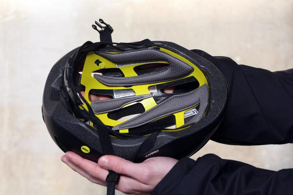 Review Giant Strive Mips Aero Road Helmet Road Cc