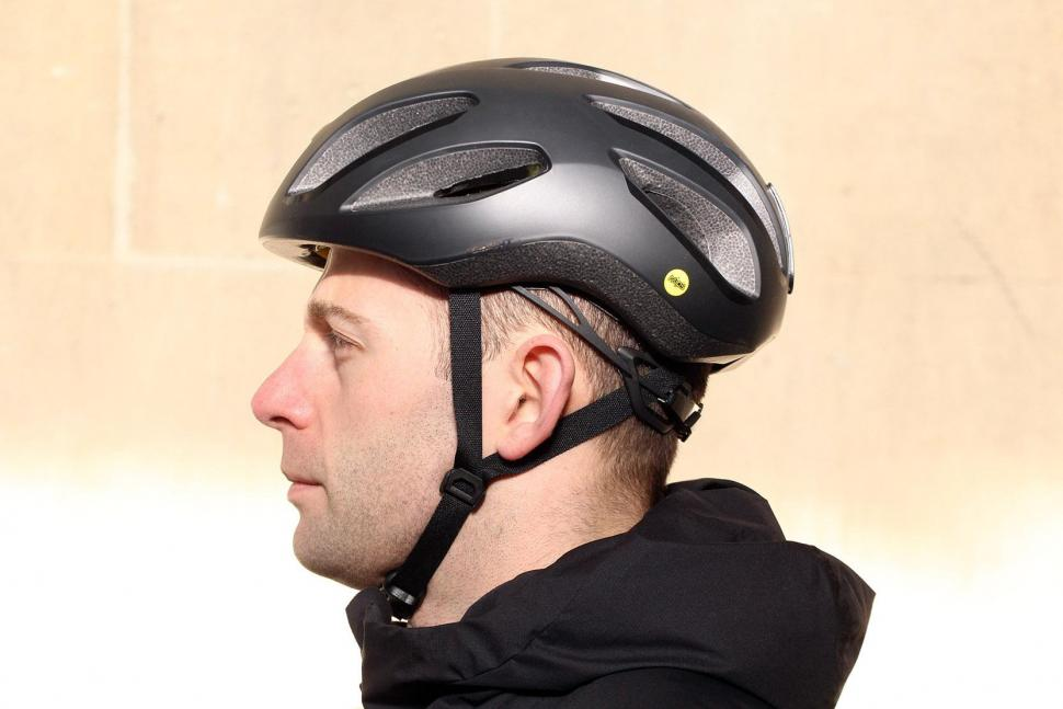 Giant Strive Mips Aero Road Helmet - side.jpg