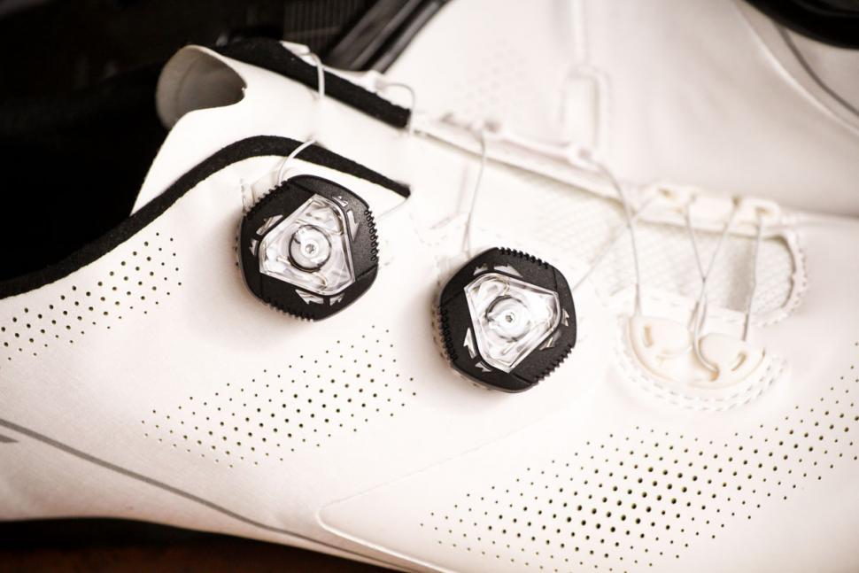 Giant Surge Pro shoes - boa.jpg