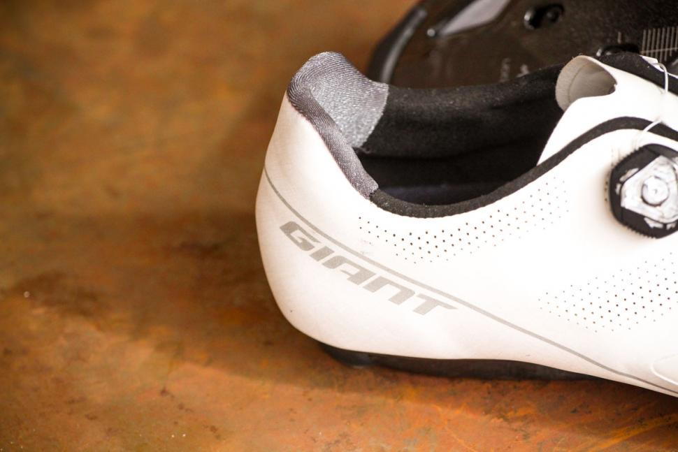 Giant Surge Pro shoes - heel detail.jpg