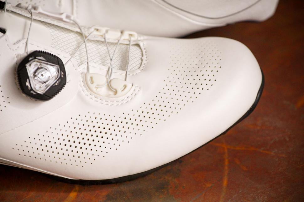 Giant Surge Pro shoes - toe.jpg