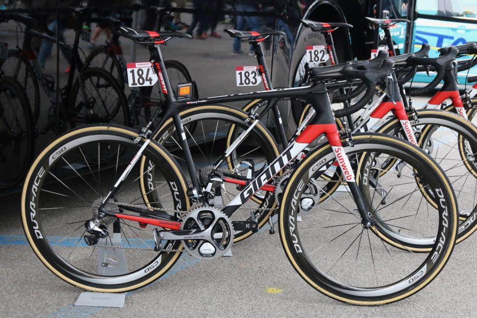 giant tcr advanced 2017 - 1.jpg
