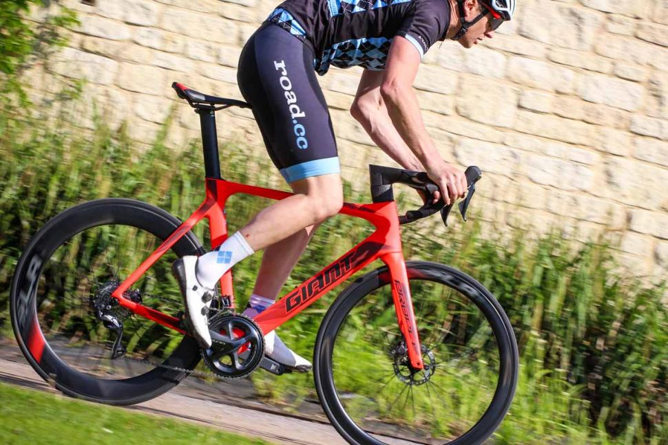 giant_propel_advanced_disc_-_riding_3.jpg